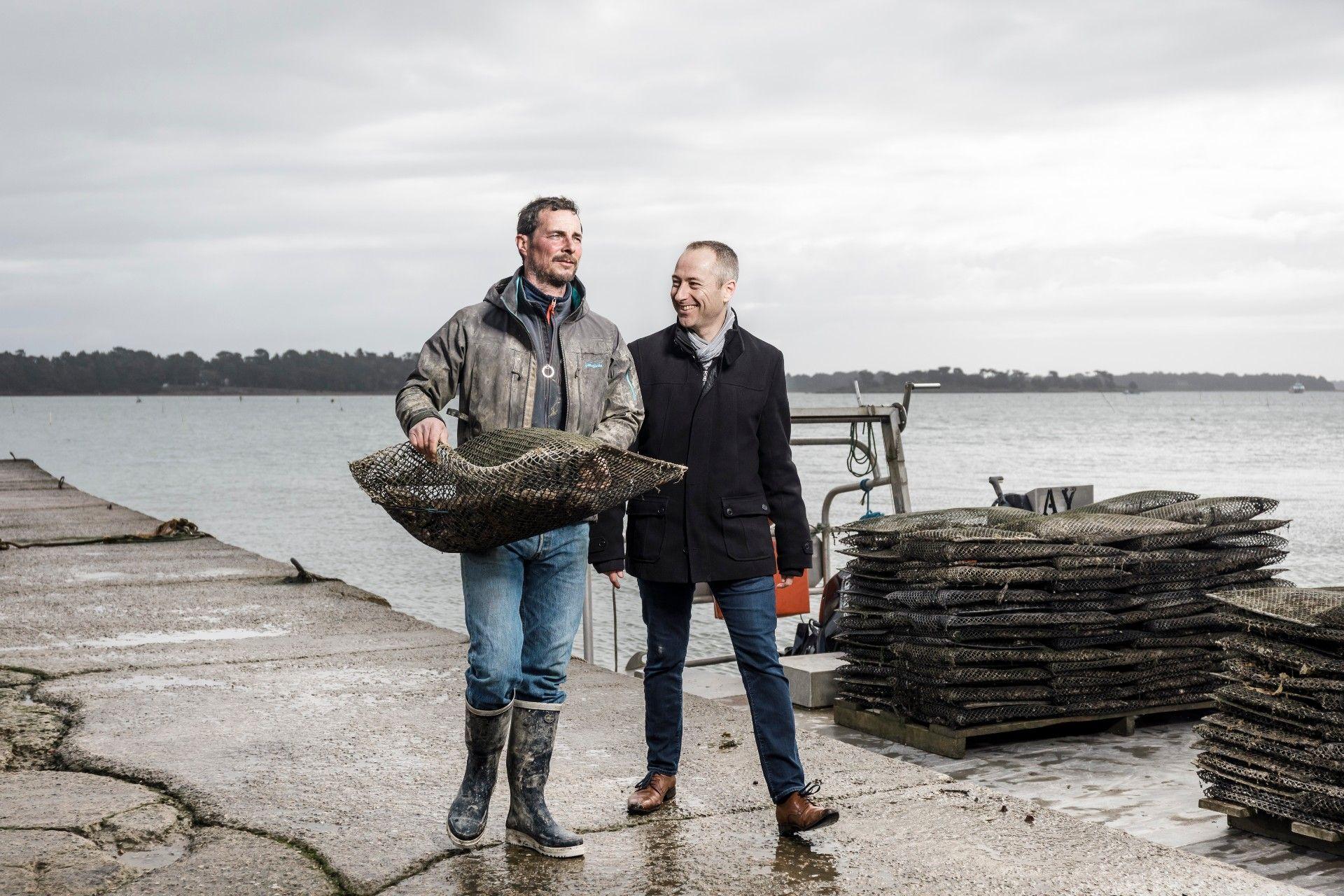 Erwan Frick (Ostréiculteur, Les huîtres d'Evariste, à Locmariaquer) & Denis Ollo (Directeur de l'agence Crédit Maritime d'Auray)