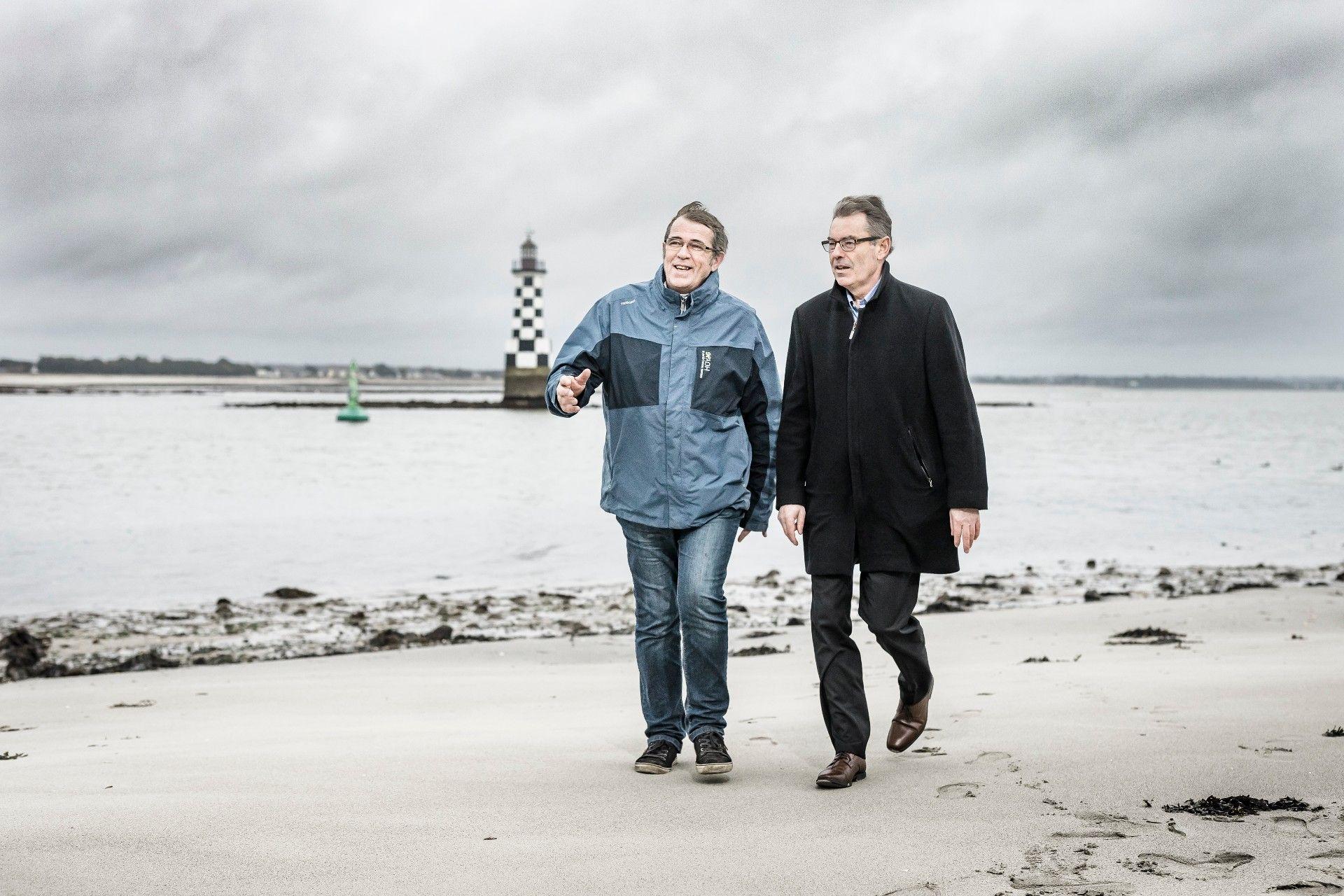 Guy Le Berre (Coordinateur de projets de l'association Maillage )& Thierry Le Reun (Responsable de l'agence de Loctudy-Lesconil dans le Finistère)