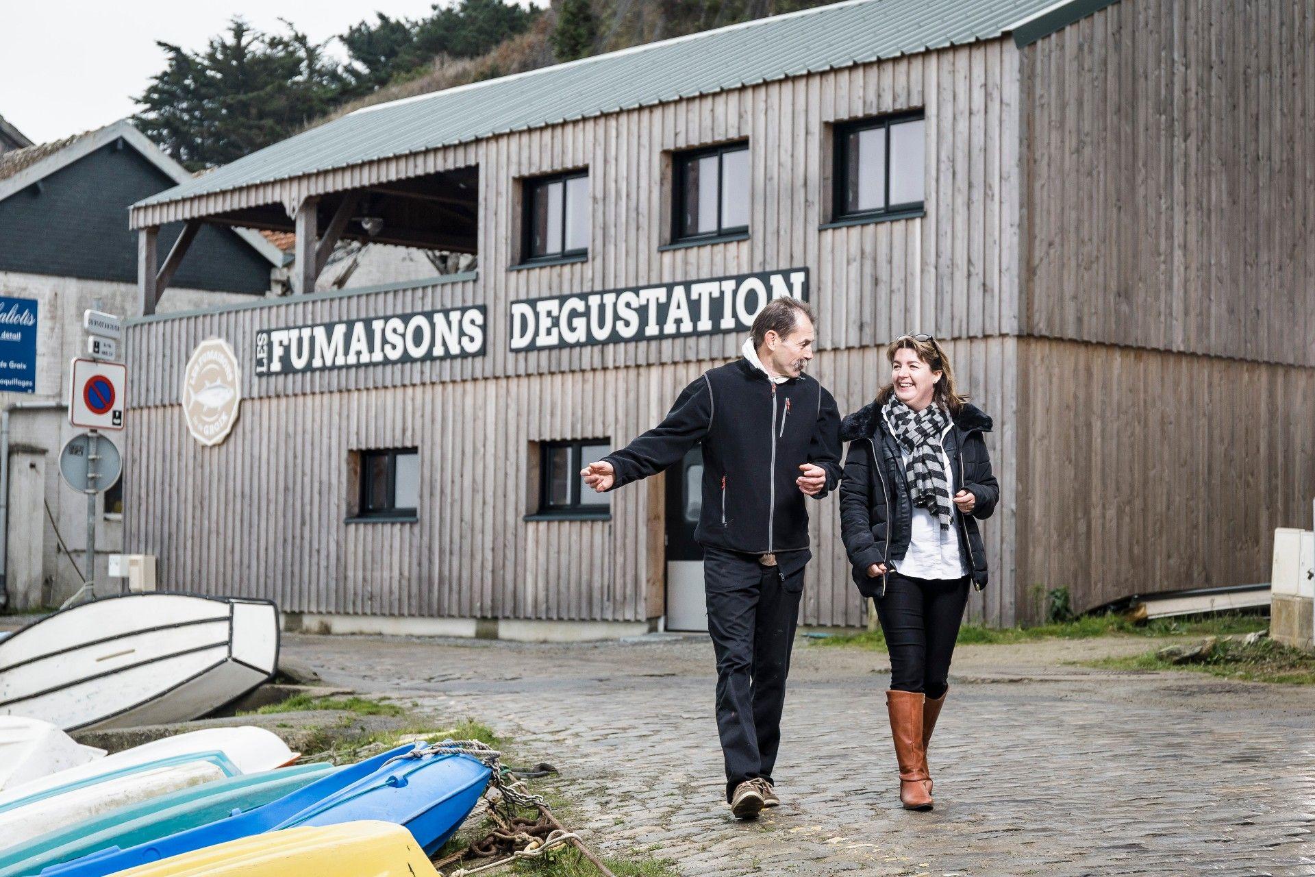 Sophie Guillermic (conseillère Crédit Maritime, agence de Lorient) & Jean-Louis Farjot (chef cuisinier du restaurant Le Cinquante et cofondateur des Fumaisons – Île de Groix)
